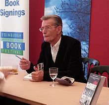 Description de l'image  William McIlvanney at the Edinburgh International Book Festival 2013.jpg.