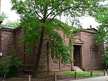 220px Yale Skull and Bones facade from angle
