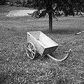 """""""Košula"""" (kršula) (""""ta mala"""") za zemljo, pesek, drva (izjemoma tu krivo oje ali štanga), Zadlog 1959.jpg"""