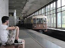 """""""Sokolniki"""" retro train at Vorobyovy Gory station (Ретропоезд """"Сокольники"""" на станции Воробьёвы Горы) (4686368732)"""