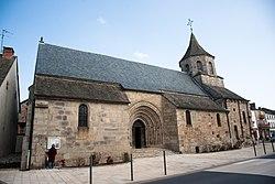 Église Saint-Fargheon de Bourg-Lastic.jpg