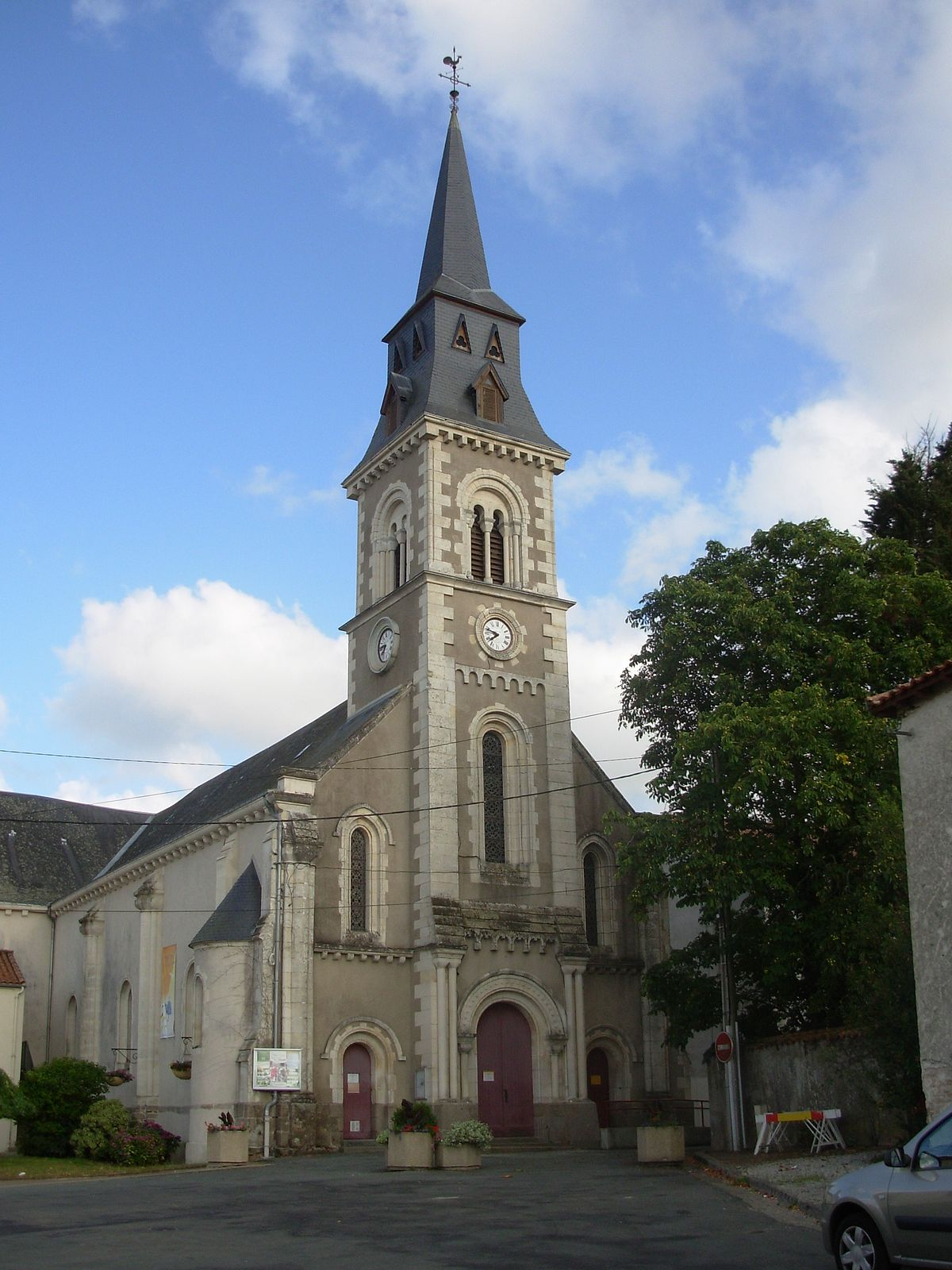 Saint-Florent-des-Bois — Wikipédia