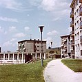 Újvárosi lakótelep, Kós Károly utcai házak a Kőrösi Csoma Sándor tér felől nézve. Fortepan 21507.jpg