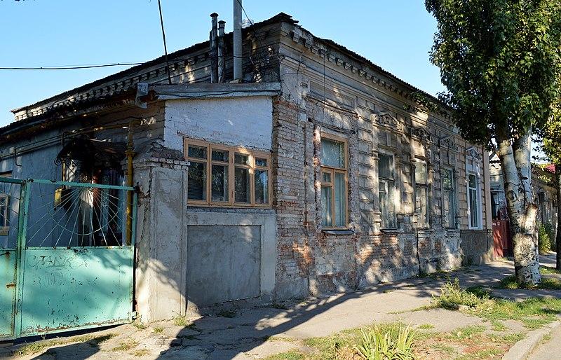 Житловий будинок, Бердянськ. Автор Каїра Федір, вільна ліцензія CC BY-SA 4.0