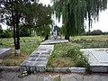 Луганское, памятник воинам-односельчанам.jpg