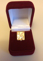 Награда с золотым нагрудным номерным знаком в виде герба города Старый Оскол.png