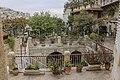 חצר מנזר אונופריוס.jpg
