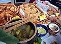 02017 1283 Soda Brot, Butter, Galizisches Verhackert, Karpatischer Geschmack-Kirmes Mrzyglod 2017.jpg