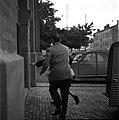 03.06.61 Procès Tournerie des Drogueurs, arrivée Maïté Davergne à Saint-Michel (1961) - 53Fi912.jpg