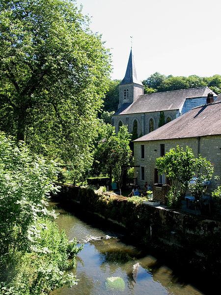 Lompret (Belgium), the Eau Blanche and the Saint Nicolas' church.