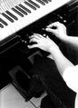 14 Phonola mit Händen a.tif