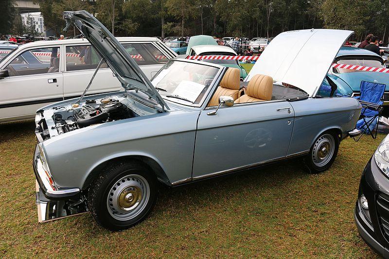 File:1972 Peugeot 304 convertible (28929559945).jpg