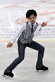 2012 World Junior FS Shoma Uno.jpg