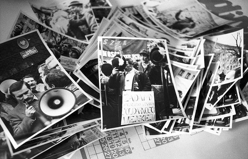 File:A Szolidaritás szakszervezet irodájában készített felvétel. Fortepan 20793.jpg