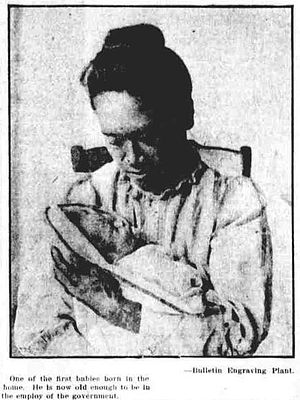 Kapiolani Medical Center for Women and Children - A woman with a baby at the Kapiolani Maternity Home around the twenty-first anniversary in 1912