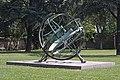 Aequatorialsonnenuhr Ffm von SW 1.jpg