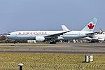 Air Canada (C-FIVK) Boeing 777-233(LR) at Sydney Airport (2).jpg