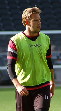 Alan Smith MK Dons (cropped).jpg