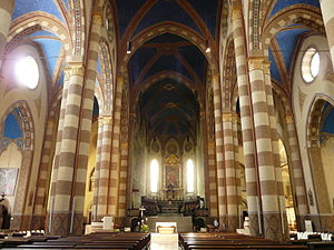 Alba Cathedral - The nave.
