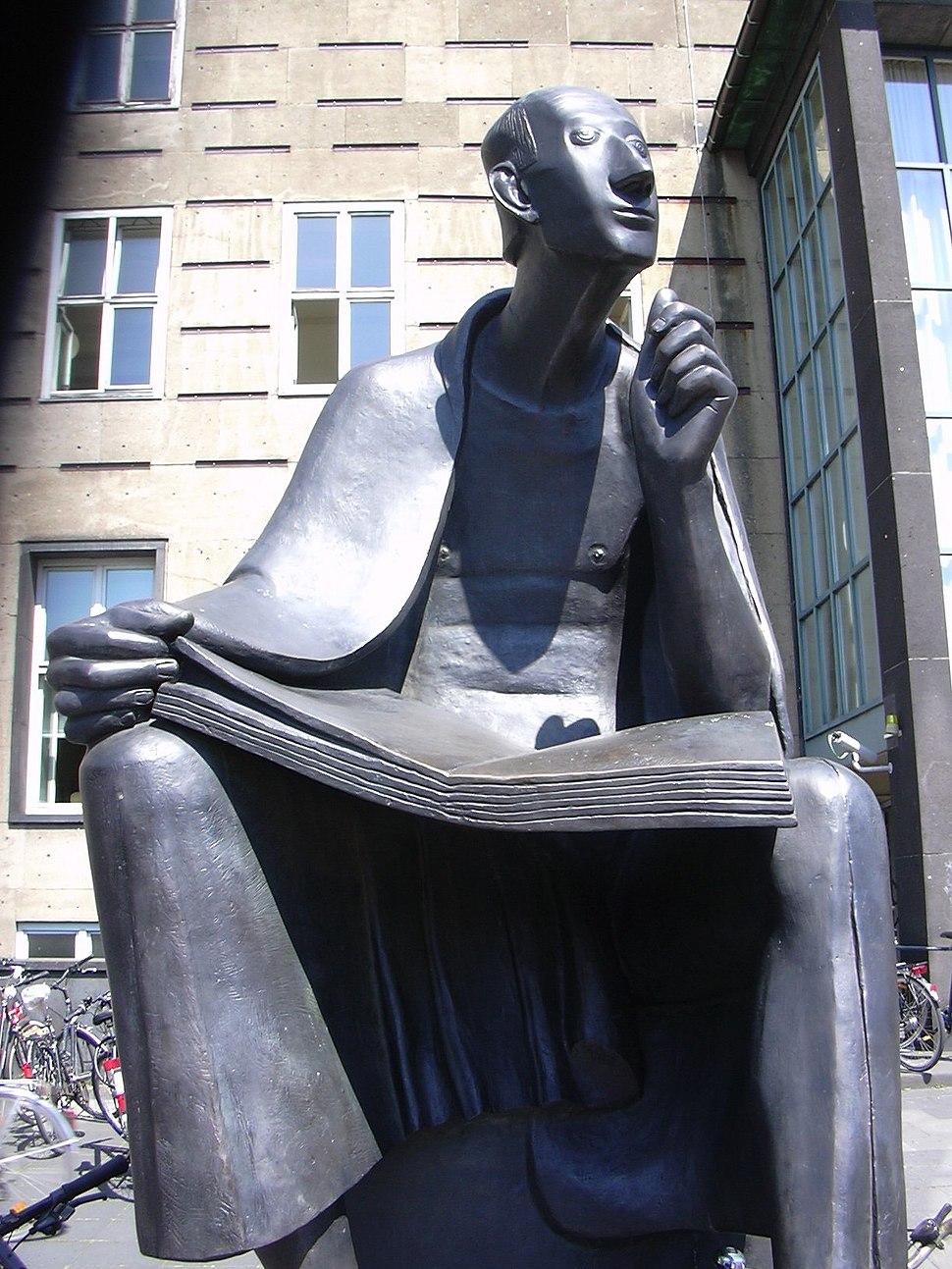 Albertus Magnus-Denkmal