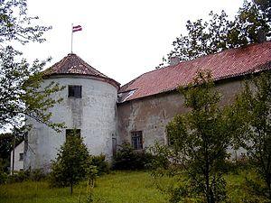 Alsunga Castle - Image: Alsungas pils 1999 07 25