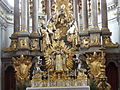 Altar Muenchen Sankt Peterskirche.jpg