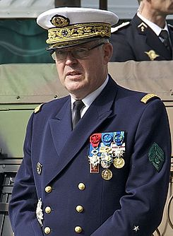 Amiral Edouard Guillaud 2012 (cut off).jpg