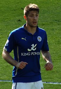 Andrej Kramaric playing for Leicester City F.C. in 2015 (2).jpg