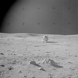 MythBusters (2008 season) - Apollo 14 photo: shadows appear to point different directions