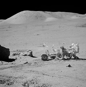Apollo 17 near the station 6 AS17-141-21598HR.jpg
