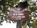 Arc de Triomphe de l'Étoile sign.jpg