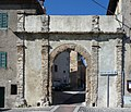 Arco di ingresso a Trevi nel Lazio - panoramio.jpg