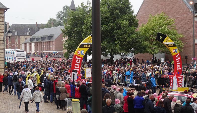 Arras - Tour de France, étape 6, 10 juillet 2014, départ (18).JPG