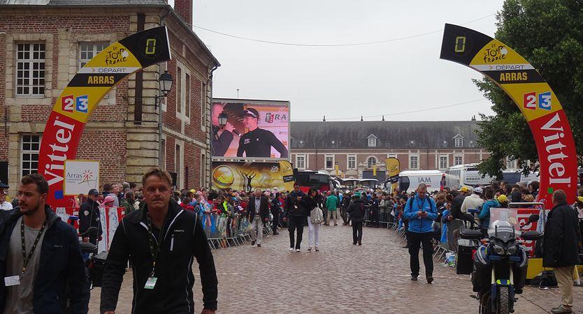 Arras - Tour de France, étape 6, 10 juillet 2014, départ (55).JPG