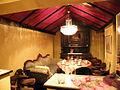 Augusten 1 Augustenstraße 1 Hannover Inhaberin Brigitte Mrohs hinteres offenes Zimmer mit Sofa.jpg