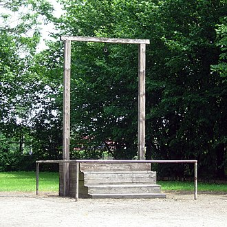 Gallows in Auschwitz I where Rudolf Hoss was executed on 16 April 1947 AuschwitzGallows2006.JPG