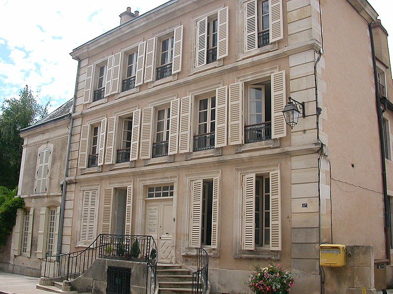 Avallon's Tribunal d'instance