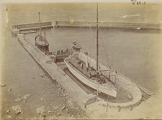 Observatoire océanologique de Banyuls-sur-Mer - The Roland in her basin in 1895 in Banyuls