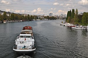 Barge Alaska on the river Seine 003.JPG