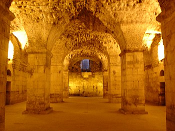 English: Basement of Diocletian's Palace Neder...