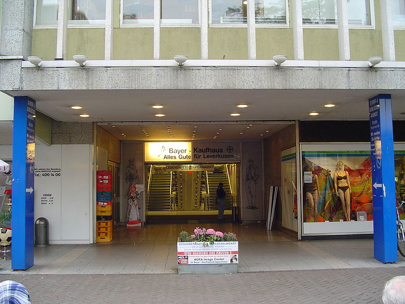 File:Bayerkaufhaus.JPG