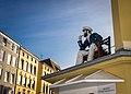 Bei Wind und Wetter ist der Käptn auf Deck. - panoramio.jpg