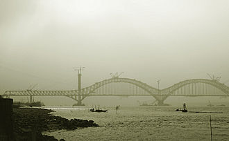 Beijing–Shanghai high-speed railway - Dashengguan Yangtze River Bridge under construction in Nanjing.