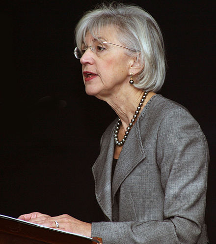 Justice Beverley McLachlin argued section 6 is intended to promote the economic union of Canada.