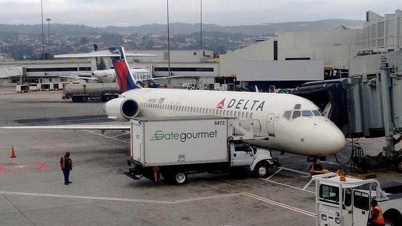File:Boeing 717-200 SFO.jpg