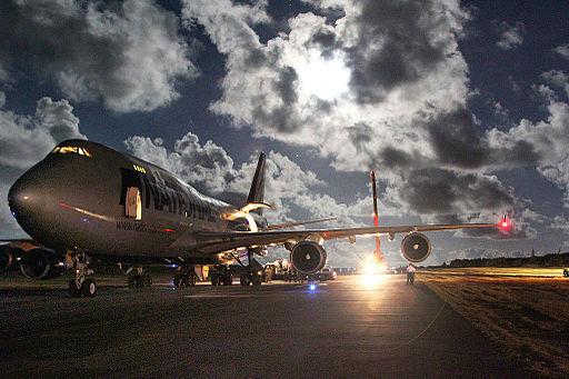 Boeing Unloading