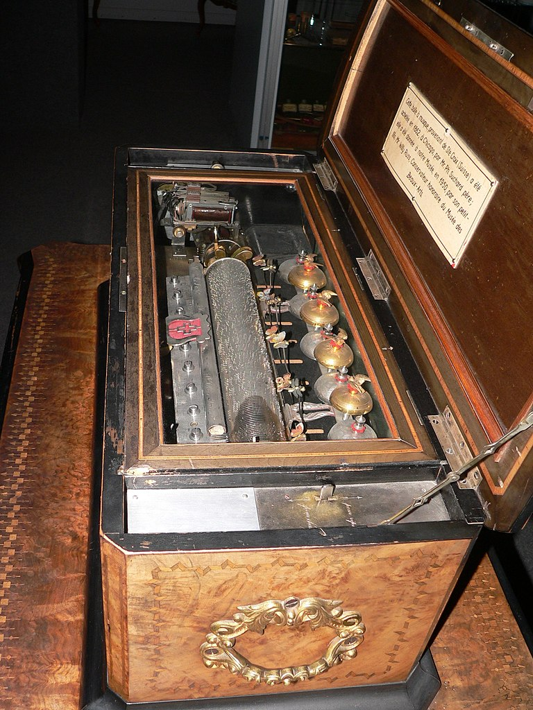 FileBoiteamusiquep1030518jpg  Wikimedia Commons ~ Boite Musique Bois