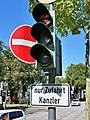 Bonn, LSA nur Zufahrt Kanzler.jpg