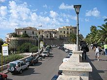 Il borgo di Nettuno, visto dal Lungomare Matteotti
