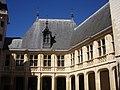 Bourges - palais Jacques-Cœur, cour (15).jpg